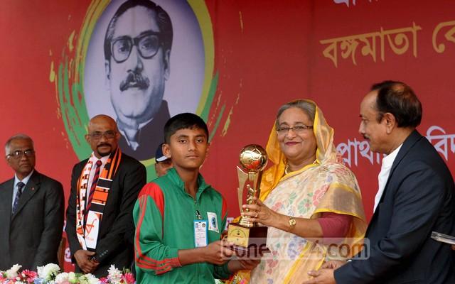 Hasina urges teachers to promote sports
